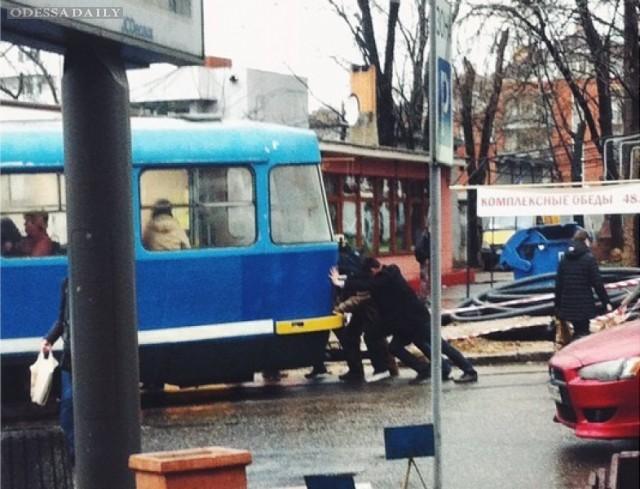 Одесситы пересели на трамваи и троллейбусы из-за подорожания маршруток