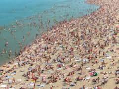 Многие пляжи Одессы к курортному сезону не готовы