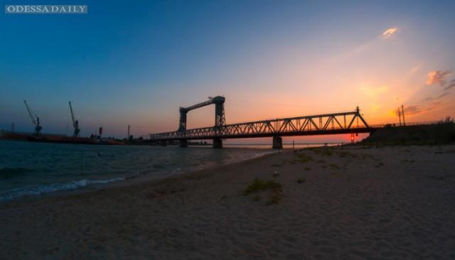 Мост в Затоке будут поднимать только по ночам, чтобы не создавать пробок