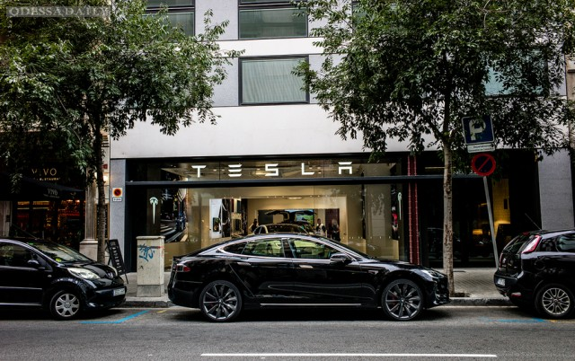 Оживший кошмар: как Tesla убивает мировой автопром