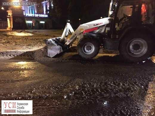 Ночная стихия: в Одессе упали 3 дерева и затопило 4 улицы