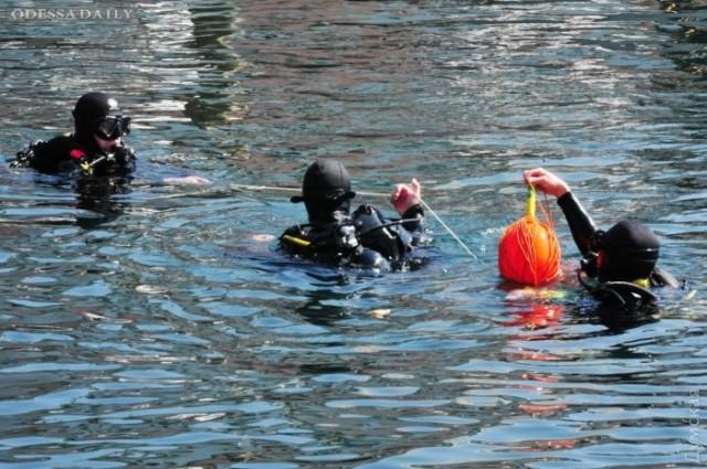 «Си Бриз»: водолазы четырех стран при помощи роботов искали мины на дне Практической гавани