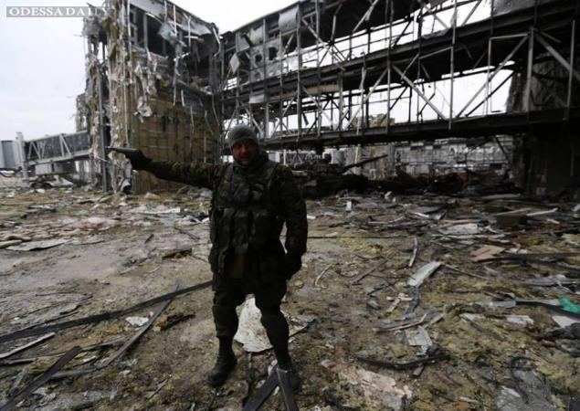 АТО: продолжаются ожесточенные бои за аэропорт Донецка