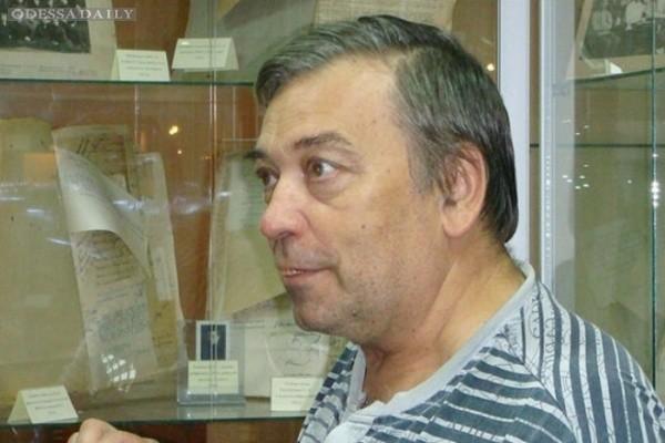 Боевики ЛНР отбирают квартиру у похищенного ими известного ученого Семистяги
