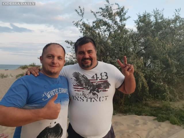 Одесситы едут поддержать народного мэра Конотопа - Артёма Семенихина.