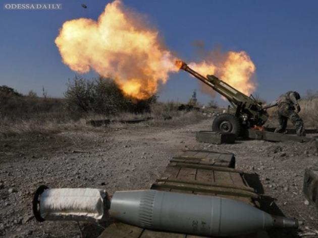 На Донецком направлении террористы не прекращают обстрелы из тяжелых орудий, - ИС
