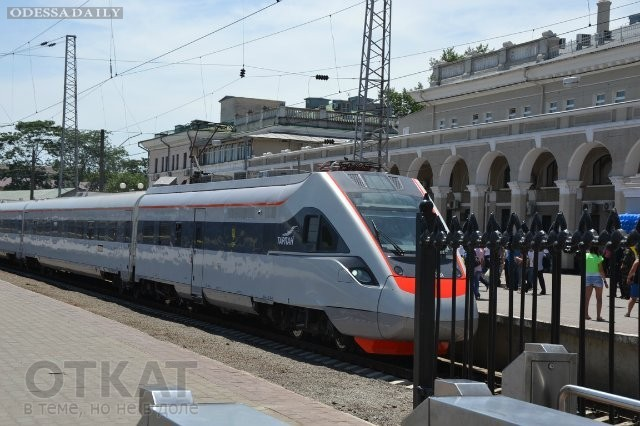 Скоростной поезд «Тарпан» продержался без поломок только одну неделю