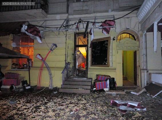 Причиной взрыва в одесском кафе стала бомба, милиция признала инцидент терактом (видео)