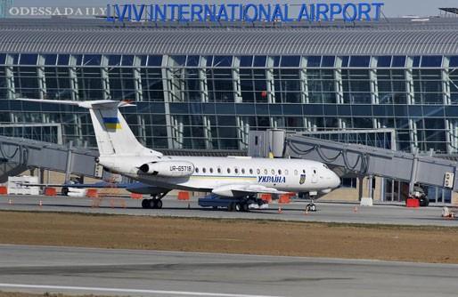 Львовский аэропорт пригрозил прекратить обслуживать авиакомпании-должники