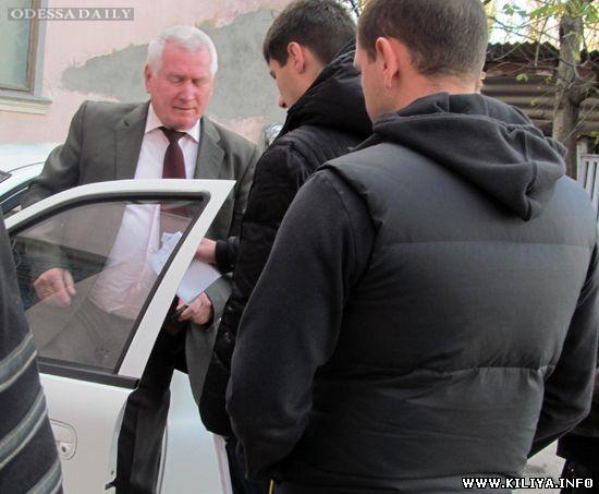 «Улетел», но обещает вернуться: в Одесской области отстранён «мэр-взяточник»