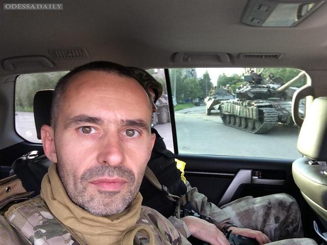 Волонтер - Петру Порошенко: генералы тыла нагло лгут вам
