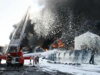 На нефтебазе под Киевом взорвались еще два резервуара - ГСЧС