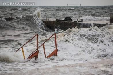На одесском побережье ожидаются пятиметровые волны