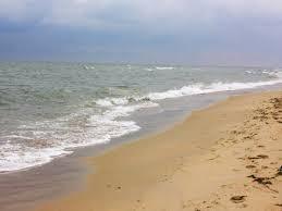 Морская вода на одесских пляжах соотвествует нормам, но купаться уже холодно