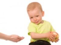 Нужно ли бороться с детской жадностью?