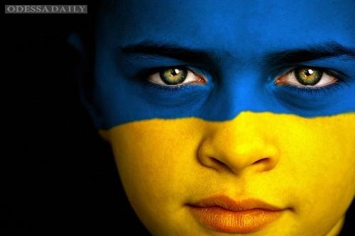 Украинцы стали больше ценить демократию и свободу - социологи