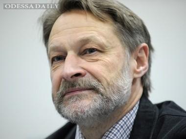 Орешкин: Крым – это чемодан без ручки, потому что к нему нужна сухопутная дорога. Потом всплыла идея с Новороссией, но и тут Россия получила по морде