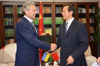 Названы причины пробуксовки китайских кредитов для Украины