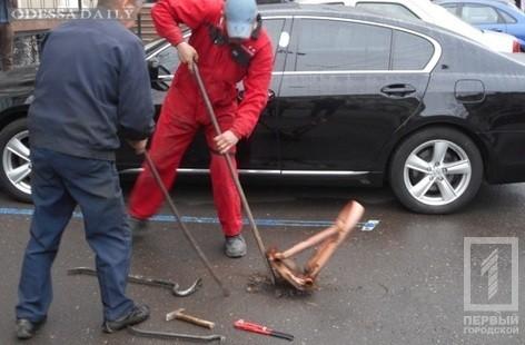 В центре Одессы демонтировали незаконные юнипаркеры