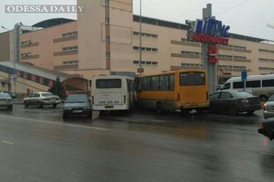 В Одесском горсовете уверяют, что посыпают дороги