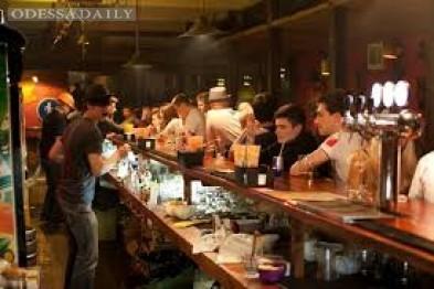 Подробности стрельбы в одесском клубе: посетитель выстрелил в лоб охраннику