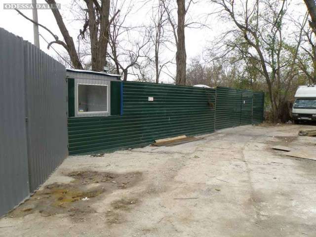 Скандальная стройка в парке Шевченко идет полным ходом