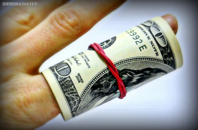 Украинцы активно продают доллары — НБУ