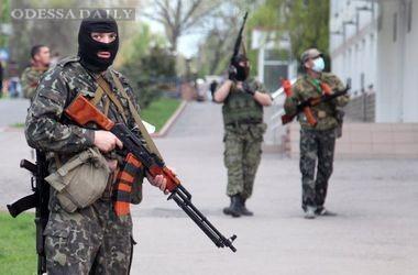 Боевики стягивают бронетехнику и Грады