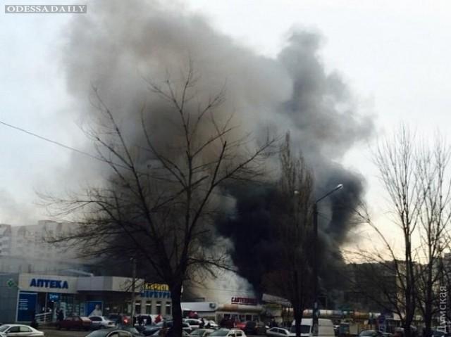 В ГСЧС рассказали о последствиях пожара на рынке в Одессе
