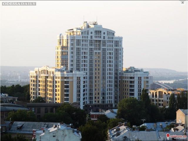 В скандальном здании возле ВР обнаружили квартиры Януковича, Иванющенко и других