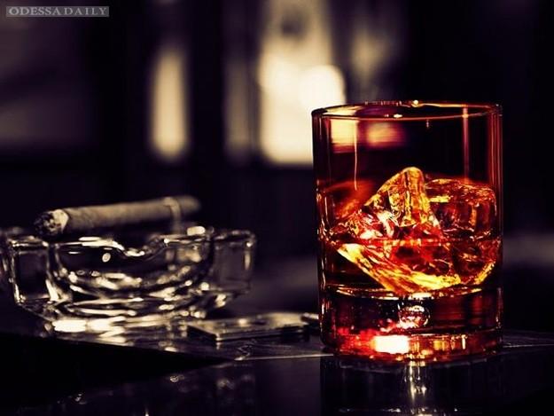 В Украине подорожают алкоголь и сигареты, - СМИ