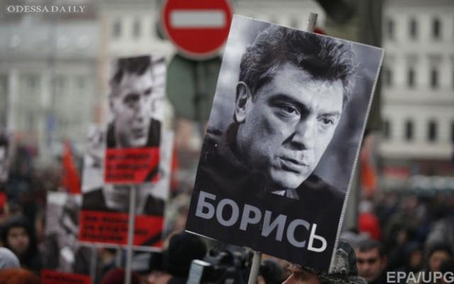 В России проходят акции памяти Немцова, шестеро участников марша в Кемерово задержаны