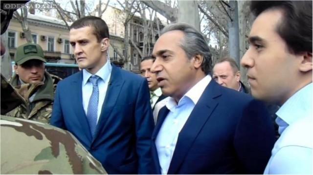 В сети рассказали о документах, найденных во время обыска у Аднана Кивана