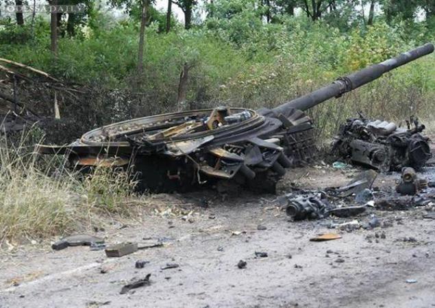 За минувшие сутки уничтожены 247 террористов, 8 бронемашин, 2 танка и 2 Града, - пресс-центр АТО