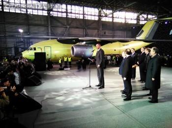 Антонов показал новый самолет