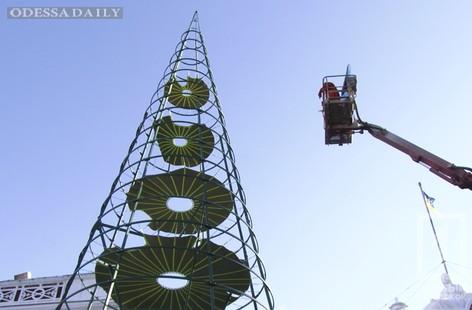 Главную елку Одессы подсветят сто тысяч светодиодов