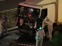 В Ницце грузовик врезался в толпу, которая праздновала на набережной День взятия Бастилии