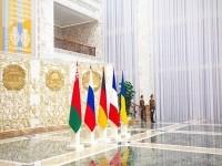 Меркель, Олланд и Порошенко уже прилетели в Минск