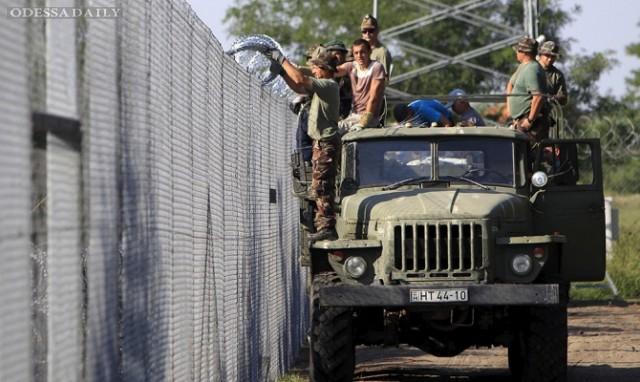 Украине придется принять беженцев, штурмующих ЕС