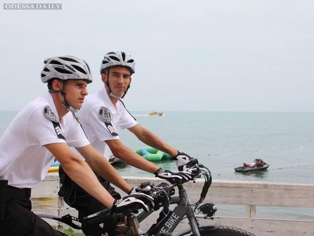 Велопатруль в Одессе: как копы ездят на на лайкбайках