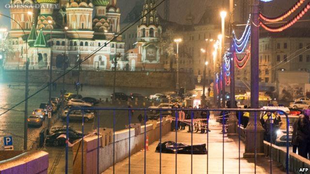 Камера зафиксировала момент убийства Немцова