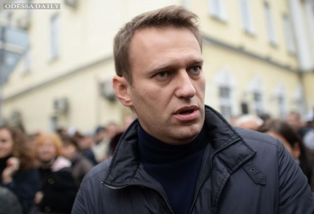 Суд отказался заключать Навального под стражу
