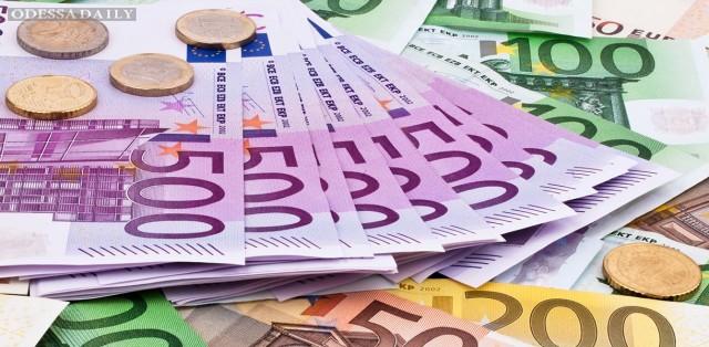 Победа Макрона вызвала рекордный рост курса евро