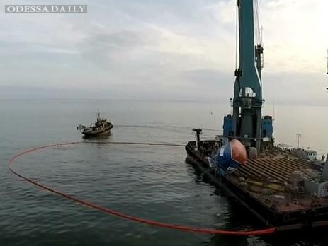Опубликована запись спасательной операции по поднятию со дна катера Иволга. Видео