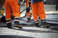 Гройсман призвал регионы начинать ремонты дорог, а не ждать указаний из Киева