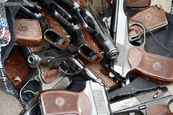 В Донецке силовики провели рейд на территорию террористов