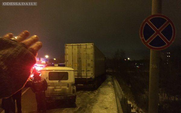 Полиция перекрыла места для стоянки дальнобойщиков в Подмосковье