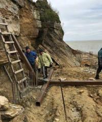 Склон под Аккерманской крепостью может обвалиться: его спасают металлическими балками