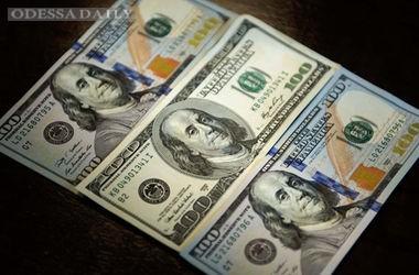 В Украине поднялся курс доллара