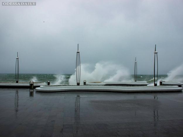 В Одессе снова объявили штормовое предупреждение